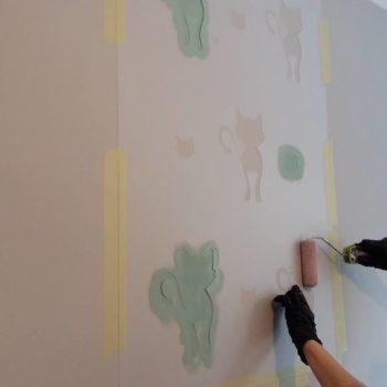 malowanie ściany szablonem wielorazowym Stencils
