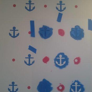 Szablon w trakcie malowania kotwice i kropki