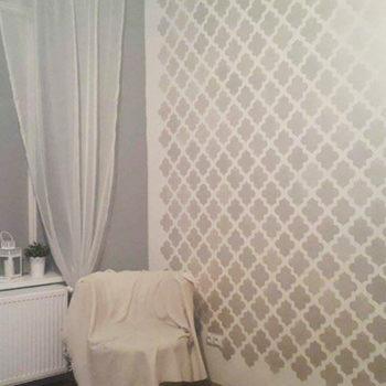 efekt odmalowania szablonu na ścianie